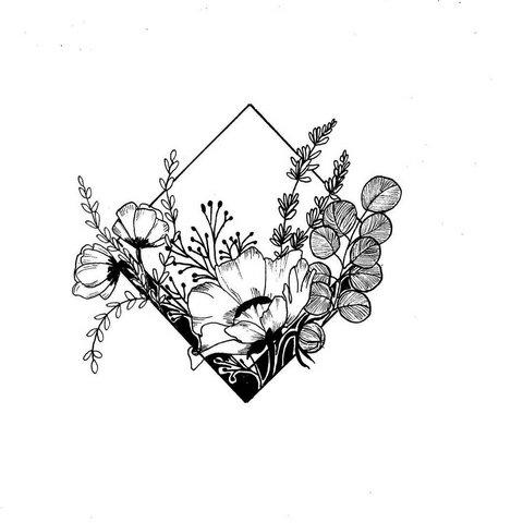 Эскиз розы тату на бедро для девушек