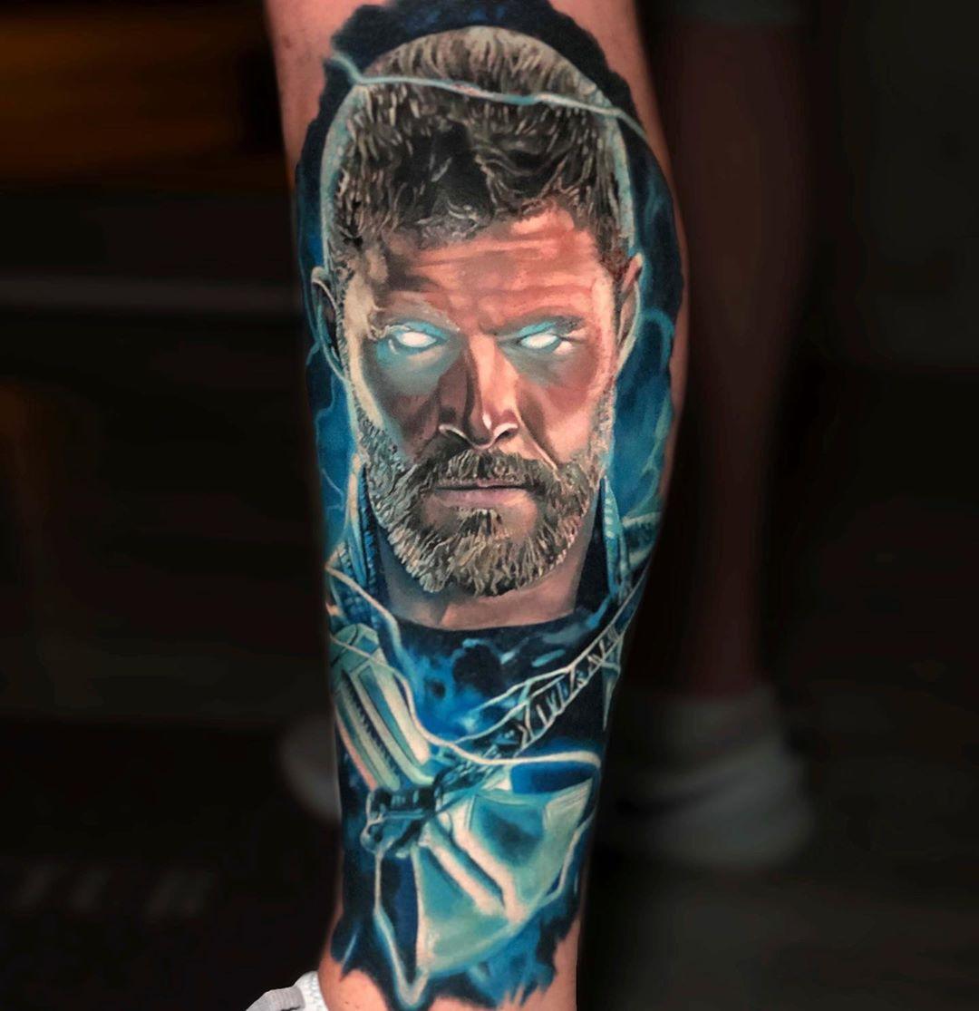 Татуировка Бога Грома с Новым Молотом