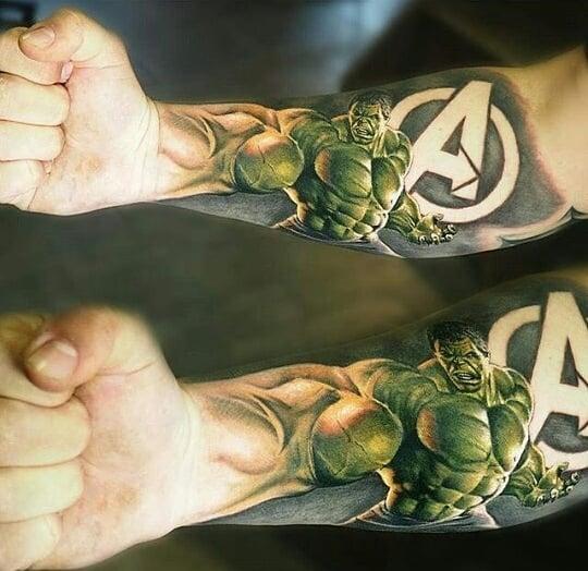 Крутая Тату Халка и Логотипа Мстителей