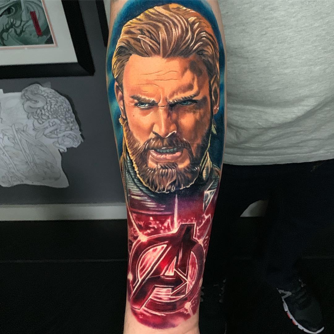 Крутая Тату Капитан Америка и Логотип Мстителей