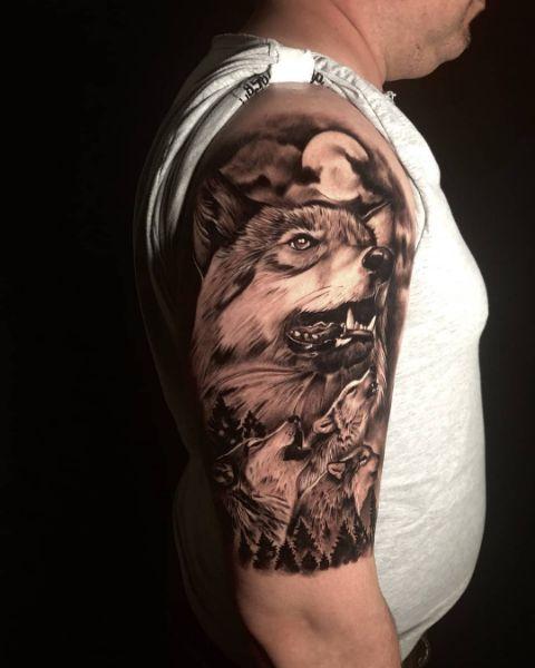Тату Воющие Волки На Мужском Плече