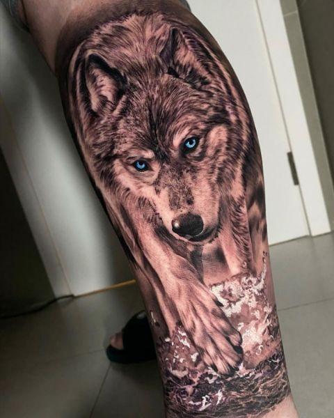 Реалистичная Тату Волк на Ноге