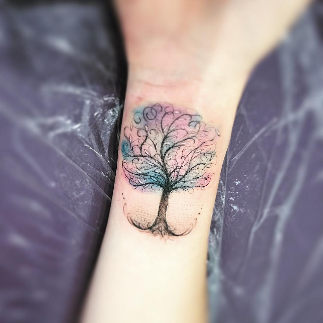 Цветная Тату Дерева на Запястье
