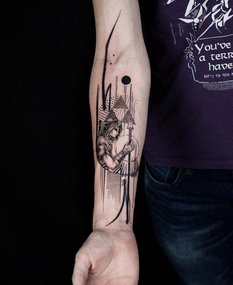 Небольшие мужские татуировки: 30 фото