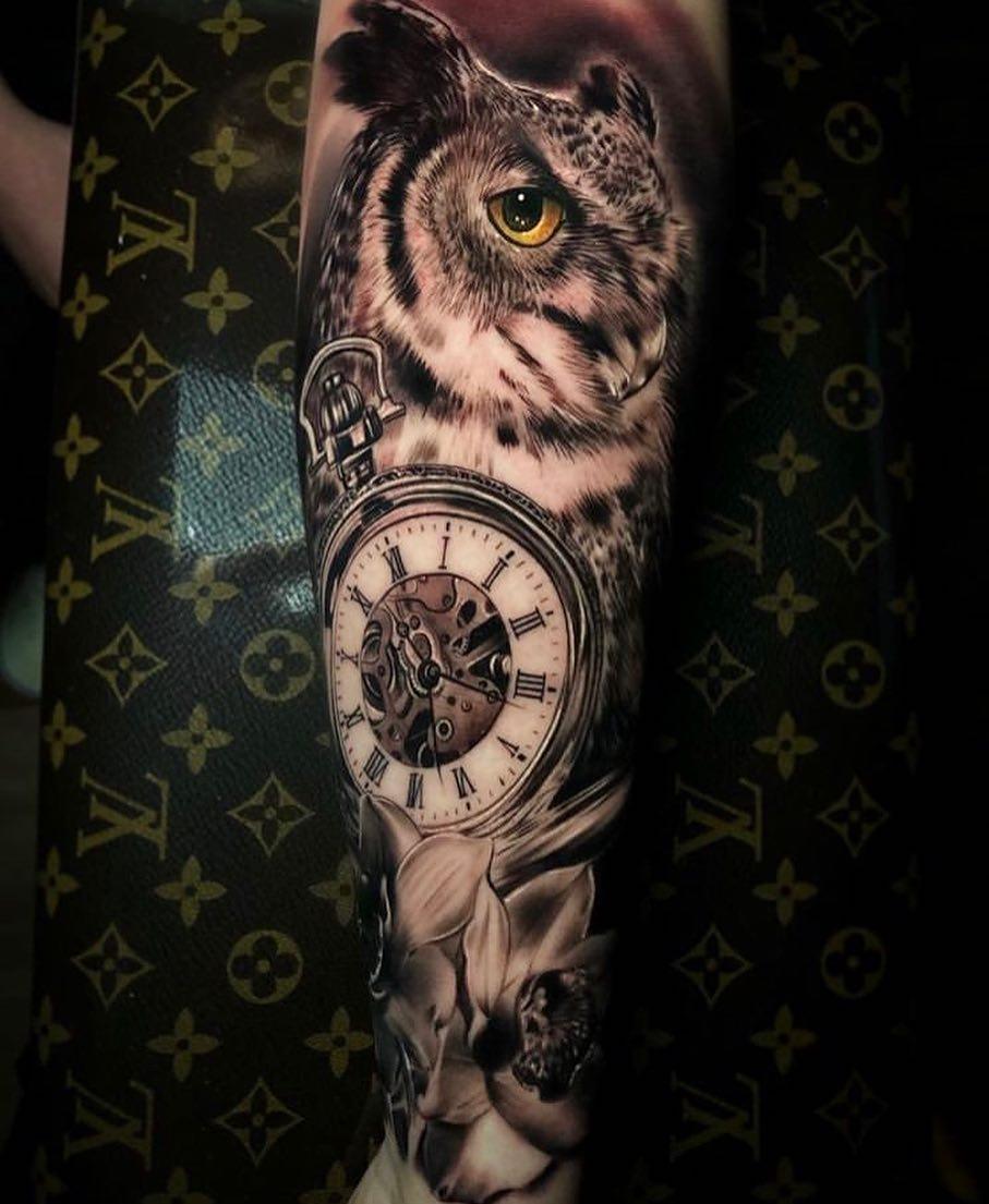 Тату Сова и Часы в Стиле Реализм на Руке