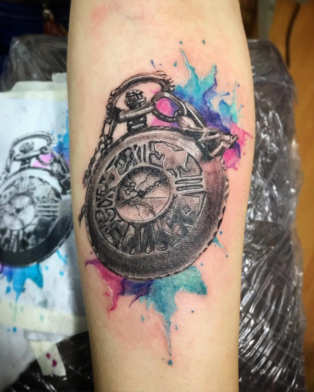 Цветные Часы с Брызгами Красок