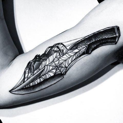 До ужаса красивые татуировки паука на руке: 35 фото