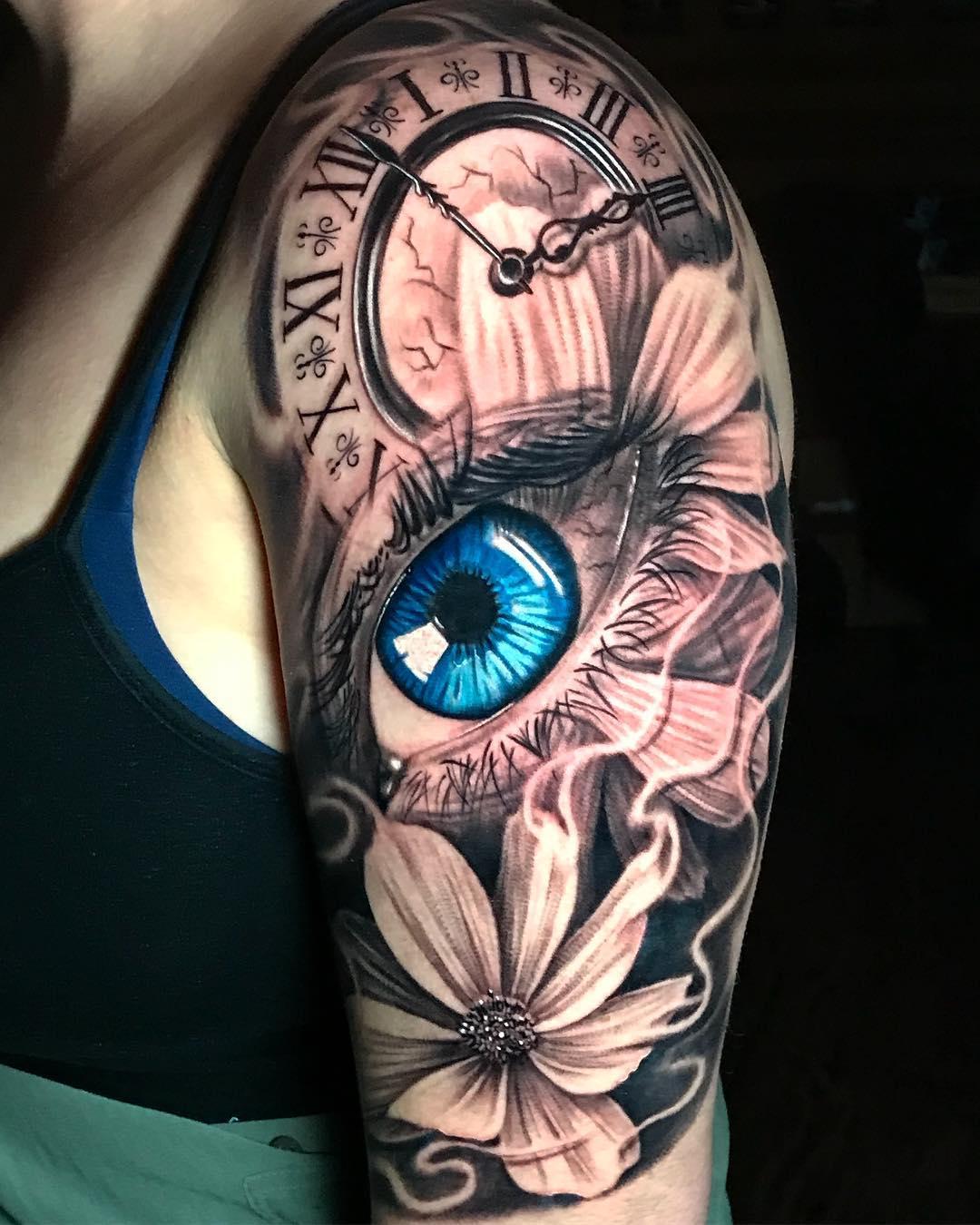 Цветная Татуировка Большой Глаз и Часы