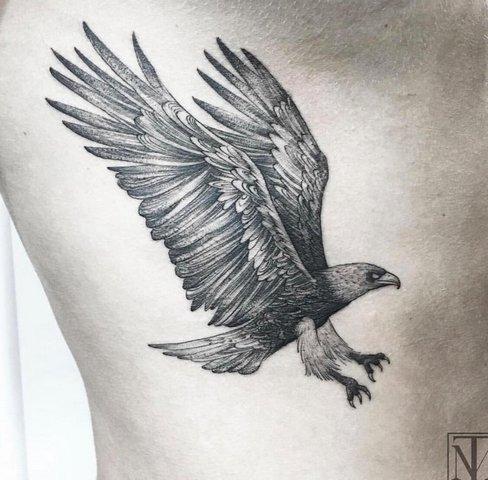 Значение татуировки орел на зоне. Трактовка символа для мужчин и девушек