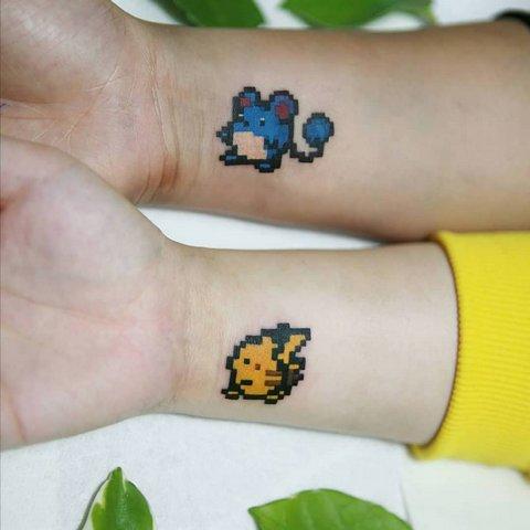 Игровая тату покемоны на руке