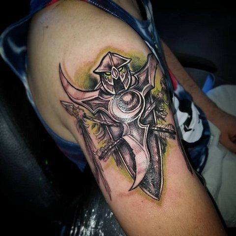 Игровая тату Варкрафт, эмблема ельфов на плече