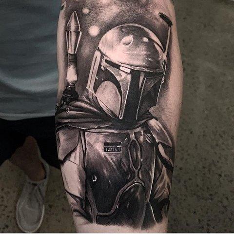 Игровая тату Звездные войны на руке