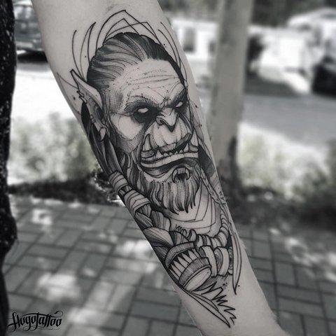 Игровая тату Варкрафт орк на руке