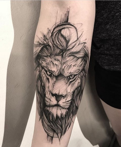 Красивая татуировка льва на предплечье