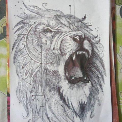 Лев с узором