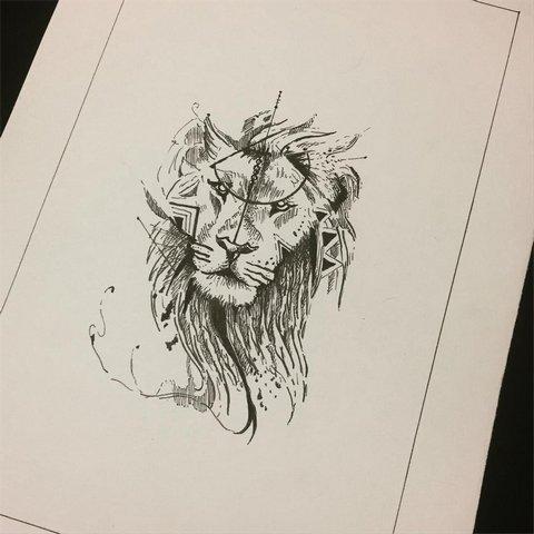Голова льва с узорами