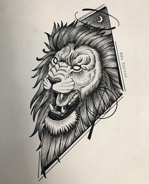 Лев с открытой пастью