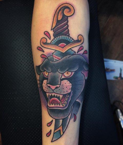 Татуировка пантера в стиле Олд Скул