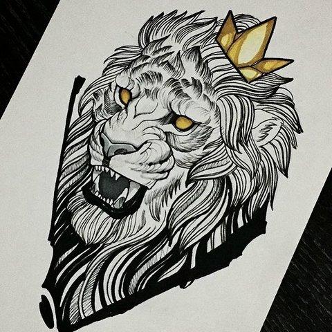 Рычащий лев с золотой короной