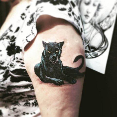 Цветная татуировка черной пантеры
