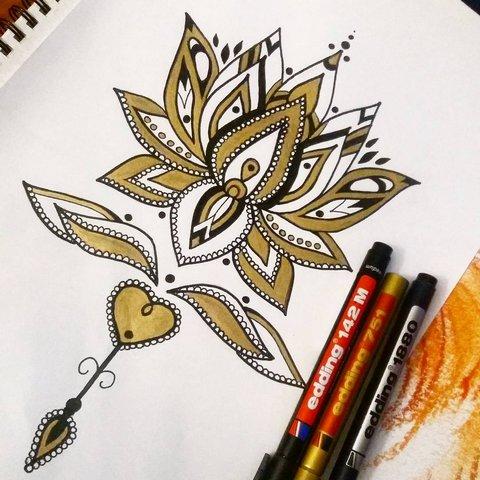Женственный Цветок Лотоса
