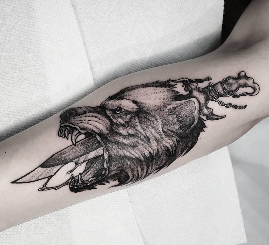 Тату Кинжал и Волк