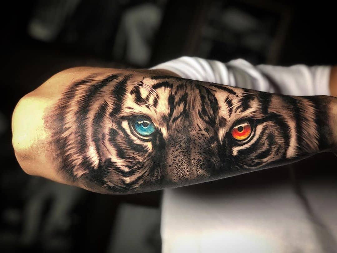 Мужская Тату Голубой и Красный Глаз Тигра