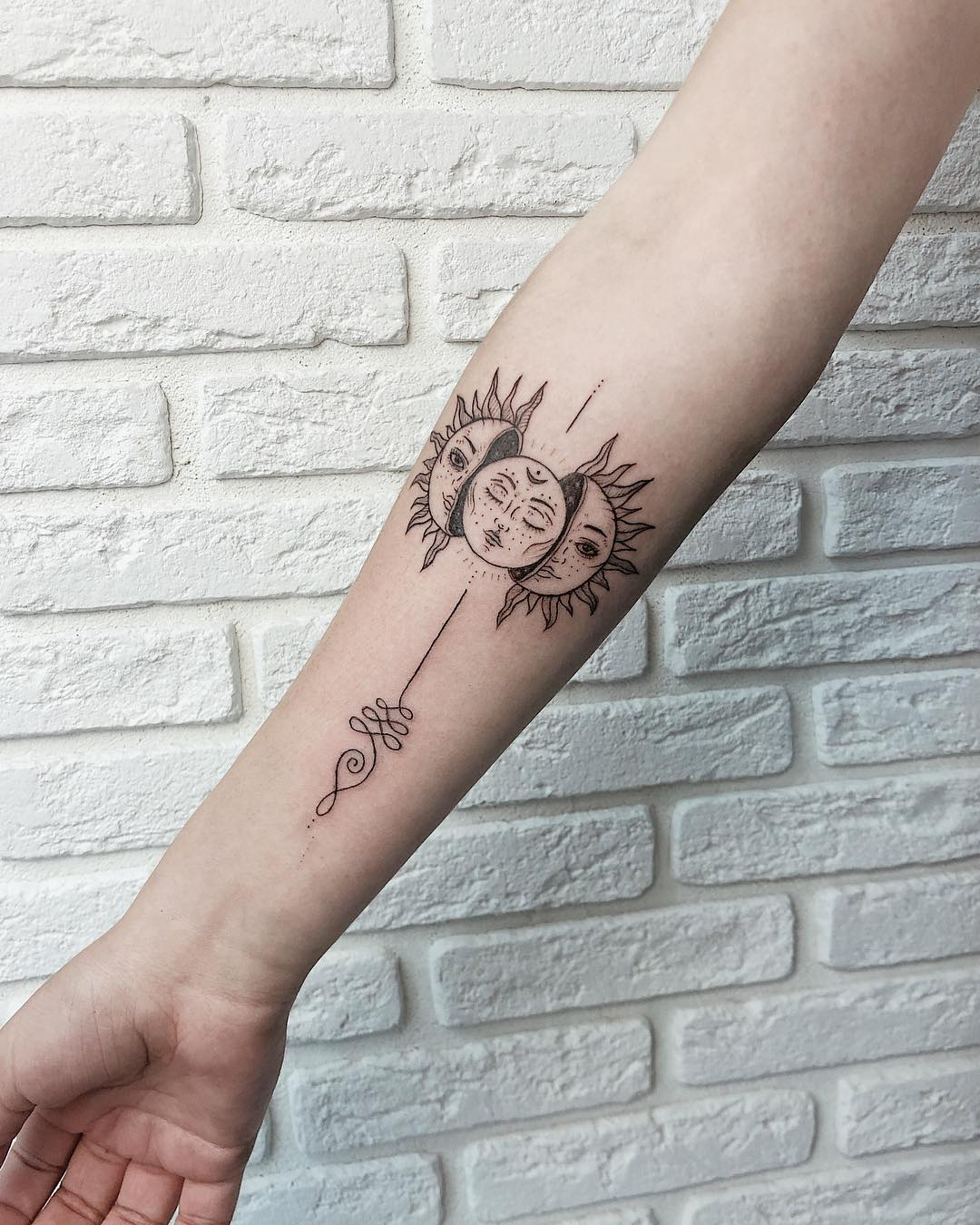 Красочная Татуировка на Руке
