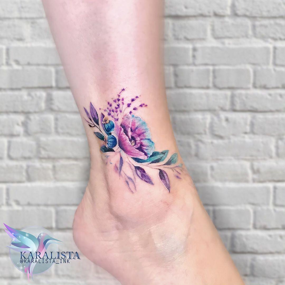 Большой Рисунок Цветка на Ноге для Женщин