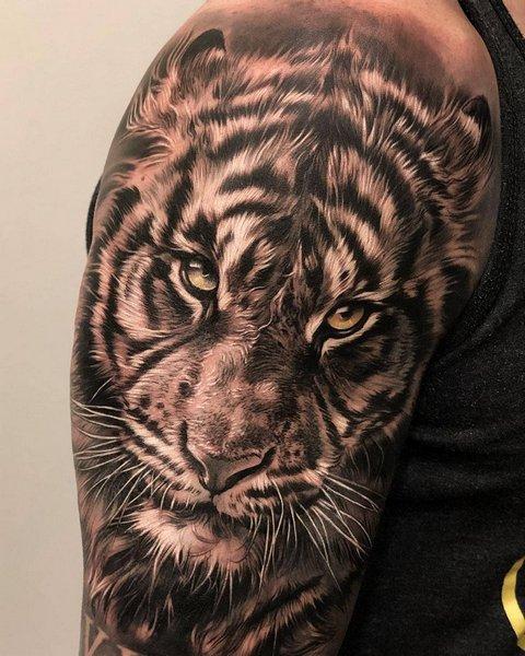 Объемный Рисунок Тигра на Плече для Парней