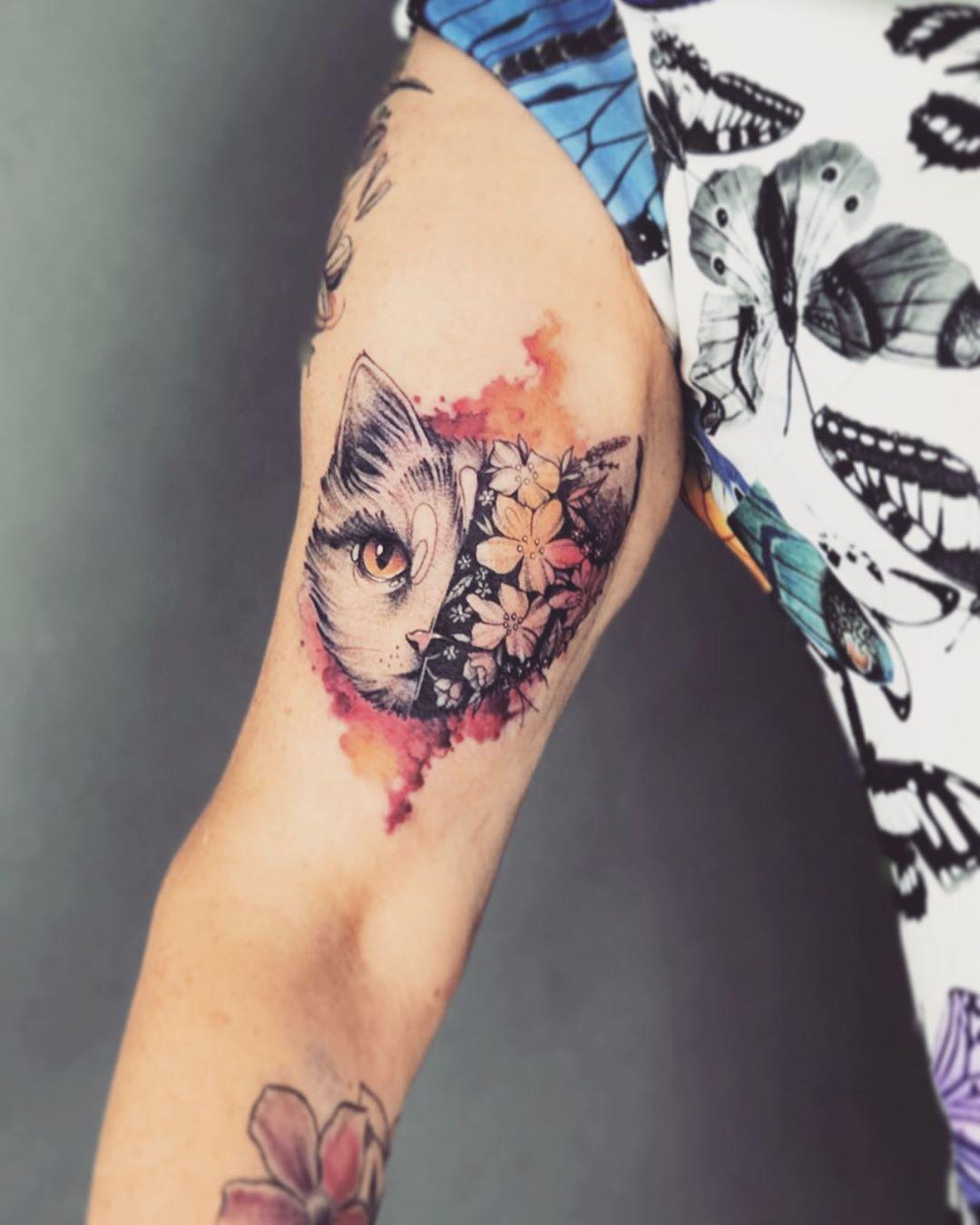 Татуировка Кота на Руке для Женщин