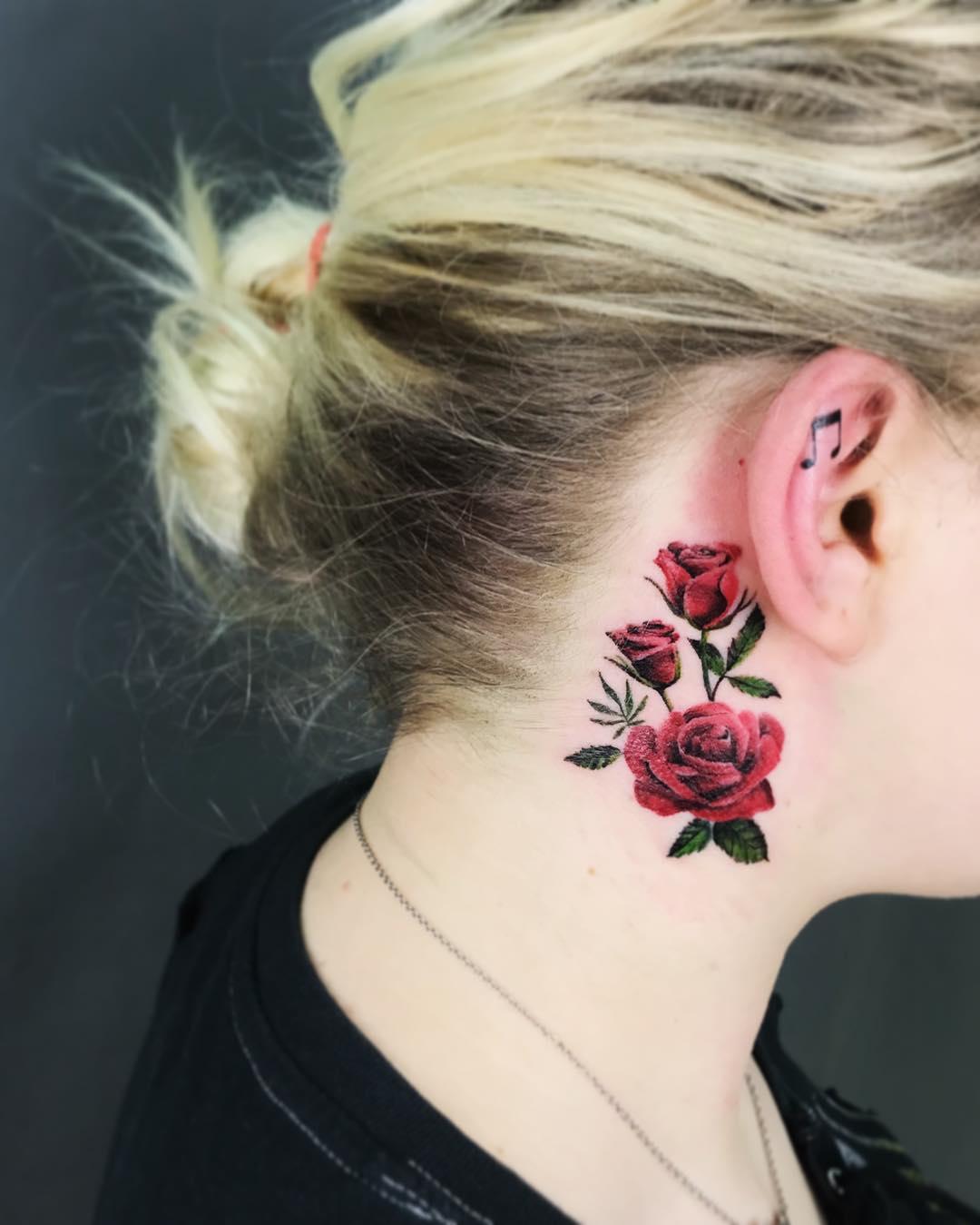 Красочная Татуировка Роз для Девушек