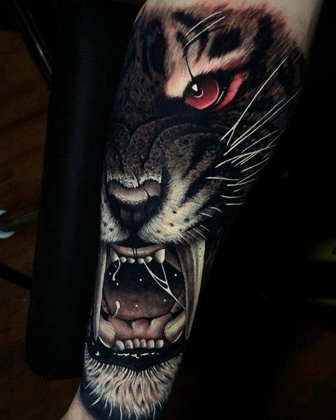 Красивая Татуировка Хищника для Мужчин