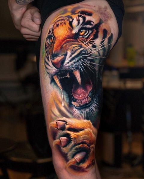 Разноцветная Татуировка Хищника на Ноге