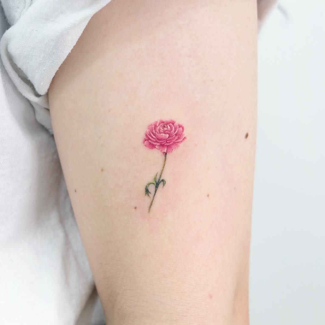 Миниатюрная Тату Розы на Руке