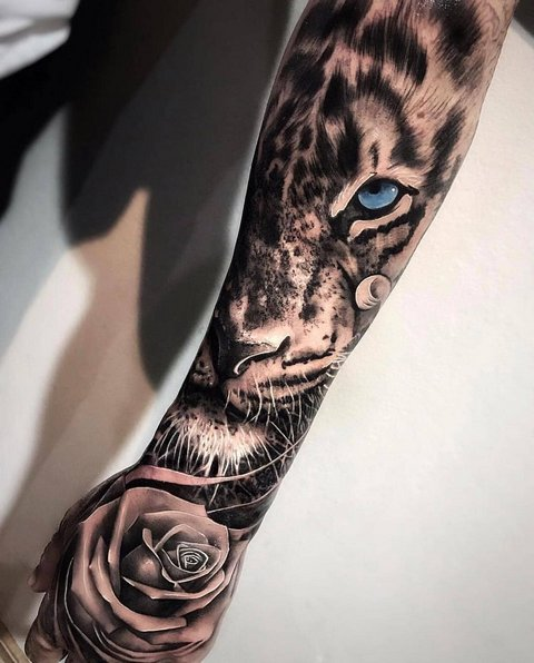 Рисунок Тигра и Розы на Руке для Мужчин