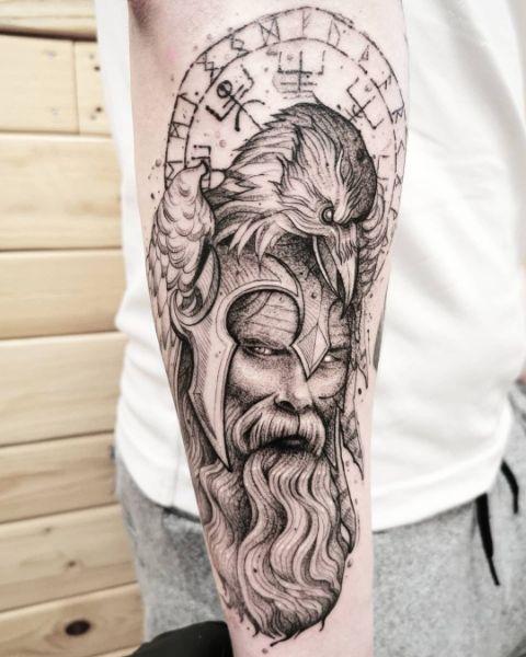 Тату Ворона Викингов на Предплечье