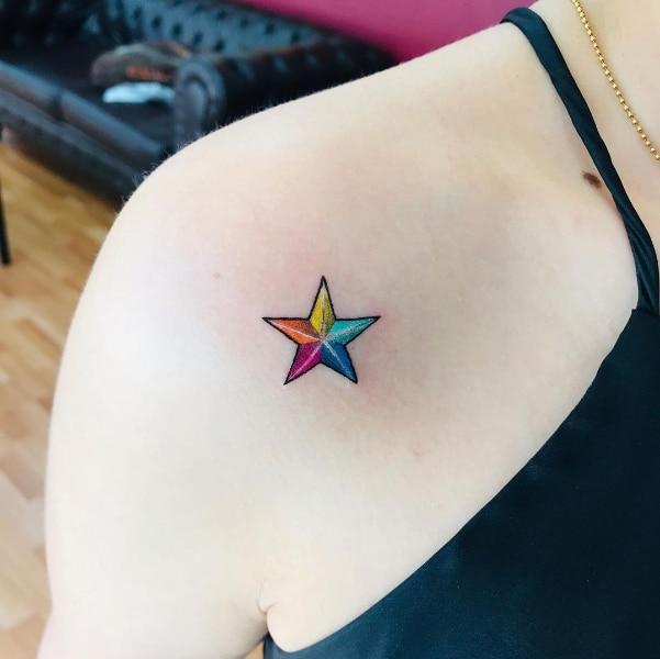 Маленькая Женская Татуировка Звезда