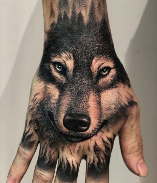 Татуировка Волк на Запястье